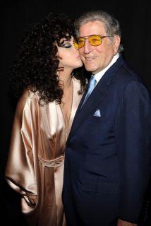 Lady Gaga y Tony Bennett aparecen de sorpresa en escuela de artes